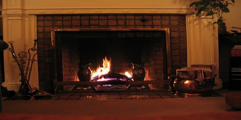 640px-The_fireplace-RS.jpg